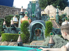 Disneyland Paris 2016 (Elysia in Wonderland) Tags: disneyland paris disney france theme park joe elysia lucy holiday 2016 storybook land boats oz emerald city wizard scarecrow tin man dorothy toto cowardly lion