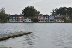 Center Parcs, lac d'Ailette en Picardie (F) (TICHAT10) Tags: aisne centerpark picardie architecture basenautique cottages eau france lacdailette