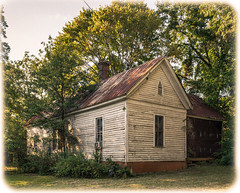 Old House, Flippen Georgia (Lee Edwin Coursey) Tags: wood tin summer georgia southexplore southern old house rust 2016 decay nikond5200 tinroof rural ruralamerica building architecture