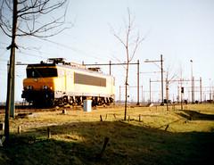 1625 Kijfhoek (lex_081) Tags: 01a04 ns cargo 1600 1625 kijfhoek rangeerdterrein zwijndrecht sittard