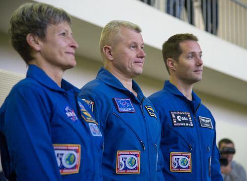 Expedition 50 Qualification Exams (NHQ201610240009)