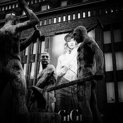 statue (s_inagaki) Tags: statue snap helsinki finland street blackandwhite bnw bw
