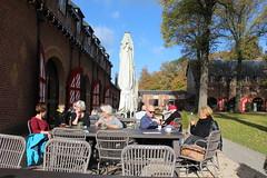"""Castle 'De Haar"""", Haarzuilens, The Netherlands (Davydutchy) Tags: haarzuilens dehaar huystehaer kasteel castle burg burcht schloss schlos zamek baron etiennevanzuylenvannijevelt etienne zuylen nijevelt barones baroness hlnederothschild hlne rothschild pierre cuypers stal stable koffiehuis coffee lunchroom terras terrasse cafe october 2016"""