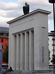 Centro histórico de Innsbruck, Tirol, Austria (Pablo F. J.) Tags: urban monument austria tirol österreich monumento urbana urbano urbanlandscape urbangeography humangeography geografíahumana geografíaurbana