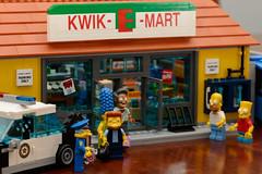 Simpsons Lego: Kwik-E-Mart, Set 71016 (Andrew D2010) Tags: home set lego snake chief bart simpsons homer apu wiggum kwikemart chiefwiggum minifigures nahasapeemapetilon 71016 set71016