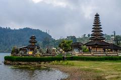 IMGP2344 (vivosi8) Tags: bali indonesia island temple pentax ile k5 dieux beratan indonsie puraulundanuberatan