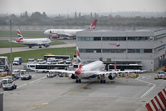 Turnaround: BA0631 ATH-LHR (A380spotter) Tags: london emblem coatofarms heathrow crest apron achievement 200 airbus vs ba britishairways a330 lhr terminal5 a320 sht winglets vir turnaround baw retrofit 524 terminalfive iag 300x egll geuuo t5a virginatlanticairways missengland ba0631 200sl retrofitted wingtipdevice 09r lhrncl runway09r athlhr lhrdtw toflytoserve sharklet sharklets ba1326 britishairwaysshuttle stand524 wingtipdevices gvwag internationalconsolidatedairlinesgroupsa a320ceo currentengineoption geuyp sharklets sharklet sht12h vs107k vs0107