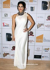Sunny Leone in White Satin Saree with shoulder detailing and Halter Neck Blouse (shaf_prince) Tags: sunnyleone bollywoodactress bollywoodsarees halterneckdesign celebritydresses sareeblousedesigns blousebackneckdesigns blousepatterns blousebackdesigns satinsarees bollywooddesignerdresses blousemodels blouseneckdesigns stylishdesignsforblouse actressinwhitedresses indianbullionampjewelleryassociation
