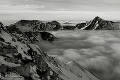 Crini e tappeti (EmozionInUnClick - l'Avventuriero's photos) Tags: panorama blackwhite bn nebbia montagna sibillini montebove pizzoberro