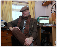Looking a bit crumpled (zweiblumen) Tags: selfportrait scarf selfie flatcap polariser canoneos50d zweiblumen canonspeedlite430exii sterkowski