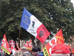 BLEU BLANC ROUGE (marsupilami92) Tags: frankreich france hautsdefrance somme 80 amiens goodyear syndicat cgt solidaires soutien manifestation justice appel drapeau tricolore