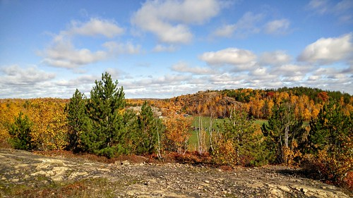 Sudbury Ontario rocks and colours