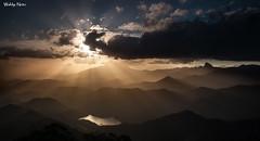 Montanhas do Tinguá (Waldyr Neto) Tags: paisagem landscape montanhas mountains petrópolis tinguá entardecer sunrise cloudsstormssunsetssunrises raiosdesol sunrays