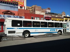 20161014_112029 (GojiMet86) Tags: mta green lines service nyc new york city bus buses 1999 orion v suburban 720 1712 5895 9831 nypd lexington avenue 125th street
