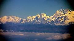 NEPAL, Flug über den Wolken entlang dem Himalaya-Gebirge von Varanasi nach Kathmandu , 15004/7632 (roba66) Tags: nepalflugentlangdemhimalayagebirge reisen travel explore voyages roba66 nepal asien asia südasien himalaya gebirge mountain berge range naturalezza mountains montana felsen rock rocks gletscher eis ice sky himmel clouds wolken flug fly cielo