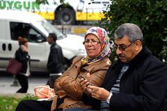 people of istanbul #7 (pictografie) Tags: couple ehepaar frau glücklich happy istanbul15 mann men menschen people strassen streets women