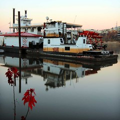 Ugh the Tug (TwinCitiesSeen) Tags: tug boat river mississippiriver saintpaul minnesota twincities twincitiesseen canont3i tokina1224mm longexposure sunrise