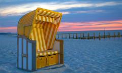 Strandkorb Zingst (woLeonard) Tags: strandkorb zingst ostsee strand beach meer ocean sunset sonnenuntergang himmel sky hdr