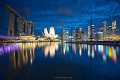 Still, Still, Still (rh89) Tags: singapore twilight blue hour marina bay marinabay marinabaysands sony a7r fe 1635mm 1635 wide angle city cityscape skyline architecture floating platform reflections reflection