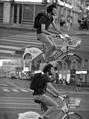 [La Mia Città][Pedala] con il BikeMi (Urca) Tags: milano italia 2016 bicicletta pedalare ciclista ritrattostradale portrait dittico bike bicycle nikondigitale biancoenero blackandwhite bn bw 907148