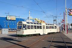 'T2+272' Pleasure Beach 27th September 2015 (John Eyres) Tags: beach crossing loop over tram blackpool pleasure t2272 270915
