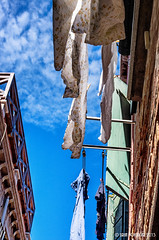 Waschtag. (isrun.bohlinger) Tags: italien venice sky italy clouds pentax himmel wolken clotheslines venezia venedig wsche k5 dorsoduro waschtag wscheleine sestiere sestieredorsoduro isrun isrunbohlinger