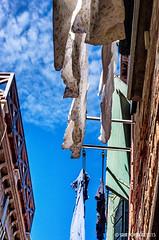 Waschtag. (isrun.bohlinger) Tags: italien venice sky italy clouds pentax himmel wolken clotheslines venezia venedig wsche k5 dorsoduro waschtag wscheleine sestiere sestieredorsoduro isrun isrunbohlinger