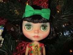 Piper pretty by the tree <3