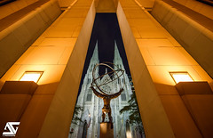 Atlas & Saint Patrick's Cathedral II (A.G. Photographe) Tags: nyc usa ny newyork nikon manhattan rockefellercenter ag atlas nikkor anto saintpatrickscathedral xiii 1424 d810 antoxiii agphotographe