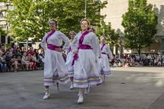 2015-05-30_Ezpalak-FR_4937 (kezka) Tags: dance danza danse basque basquecountry paisvasco dantza eibar 2015 sokadantza photofernandoretolaza danzavasca basquedance ezpalak folklorejaialdia