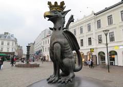 Malm (117) (Silvia Inacio) Tags: statue dragon sweden malm sucia malmo esttua drago