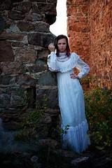 Sunrise on a Victorian Tragedy (The Good Brat) Tags: co us autumn castle ruins mtfalcon model glamour victorian beauty redhead female woman girl sunrise
