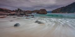 Praia de Piratininga (mcvmjr1971) Tags: amarelo niteri regioocenica nikond7000 lenstokina1116f28 mmoraes long exposure riodejaneiro praia de piratininga prainha nuvens cloudy day