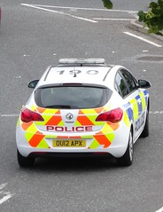 Bedfordshire Police (999 Response) Tags: ou12apx bedfordshire police dunstable vauxhall astra