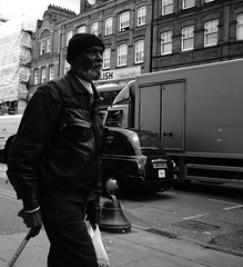 Straight on (Manuele Balduinotti) Tags: london camdentown camden sony alpha77ii streetphotography street people