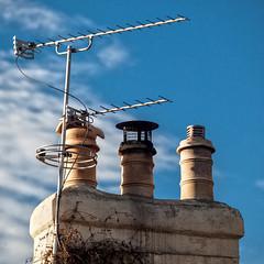 Chimneys (L I C H T B I L D E R) Tags: antenne england dach roof christchurch schornstein chimneys lum english architecture outdoor architektur aerial antenna