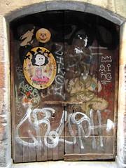 barcelona door (1) (kexi) Tags: barcelona catalonia spain europe door graffiti samsung wb690 september 2015 instantfave