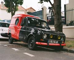 Renault 4L (Amelien (Fr)) Tags: 105mm 24 2016 400 400vc 67 anp analog argentique believeinfilm c41 capturedonrealfilm expired film kodak moyenformat pellicule pentax portra expire filmisnotdead mediumformat mf