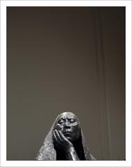 """""""tre ou ne pas tre"""" se dit l'Indienne (PtiteArvine) Tags: sculpture femme indienne mexique noiretblanc"""