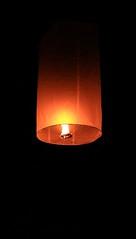 Fete des lumires (Bredz10) Tags: fetedeslumires thailande chiangmai flamme prires photo photography photographie noir jaune