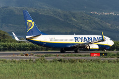 EI-DAS (MikeAlphaTango) Tags: airplane airport aircraft aviation boeing ryanair runway calabria aereo avion 737 lamezia b737 lameziaterme aeronautica lica