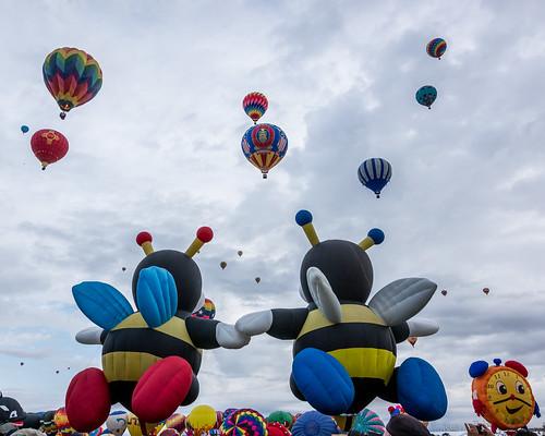 newmexico balloons us unitedstates aviation balloon albuquerque hotairballoon balloonfiesta hotairballoons albuquerqueballoonfiesta albuquerqueinternationalballoonfiesta beehotairballoon newmexicohotairballoon clockhotairballoon missourihotairballoon