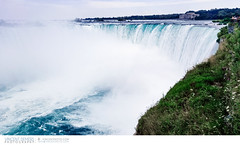 Water flowing over the Horseshoe Falls in Niagara Falls (Vincent Demers - vincentphoto.com) Tags: voyage trip travel ontario canada tourism nature water landscape outdoors niagarafalls waterfall eau niagara falls waterfalls northamerica paysage cascade extrieur chute touristattraction scenics tourisme horseshoefalls chutes niagarariver travelphotography travelphoto famousplace chutesniagara amriquedunord chutesdeau touristdestination traveldestination chutesduniagara photographiedevoyage attractiontouristique photodevoyage sitetouristique lieutouristique destinationtouristique travellocation destinationdevoyage rivireniagara