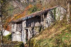 una vecchia stalla Stavoli ...............  IMG_8032_HDR-1 (gianni.giacometti) Tags: italy rustico italia fotografia montagna fvg gianni friuli giacometti vicoli udine moggio moggioudinese stavoli giannigiacometti
