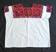Maya Huipil Mexico Chiapas (Teyacapan) Tags: mexico clothing maya embroidery mexican textiles chiapas ropa bordados elbosque tzotzil huipils