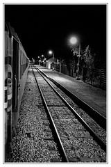 Par la fentre du train de nuit. (Damien__) Tags: railroad blackandwhite paris night train railway brianon bahn nuit austerlitz sncf corail hautesalpes traindenuit intercites sonyrx100m3 intercitesdenuit