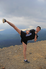 Javier y su patada (Luis Acosta) Tags: boyfriend kick taekwondo patada