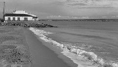 Postales (Maribeljukebox) Tags: playa beach lamarina elche alicante olas waves sand arena blancoynegro