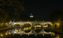 ...sempre lo stesso effetto... (M.a.r.t.Y) Tags: reflection travel colors rome sempre night