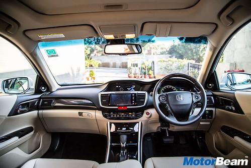 2016-Honda-Accord-Hybrid-5